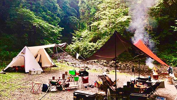 ロッヂ神戸岩の詳細(写真と動画でご紹介)