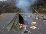 東京にある秘境『神戸岩』にあるロッヂ神戸岩で軍幕ソロキャンプ